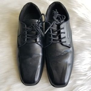 Dressed up Shoes Boys Size 4